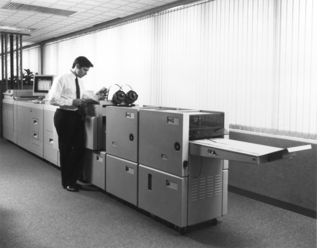 the-xerox-docutech-135-production-publisher-ignited-the-digital-print-on-demand-revolution-with-its-introduction-in-1990-forever-changing-commercial-printing-and-transforming-the-way-pe